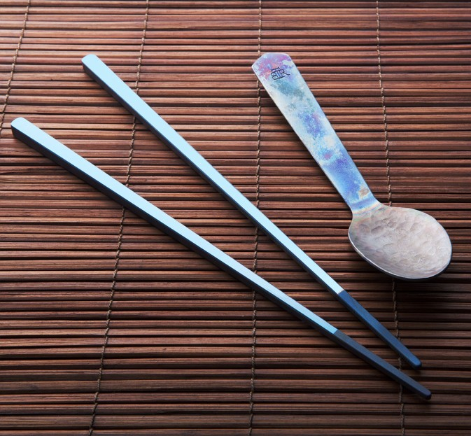 Korean Ti Chopsticks & Spoon Set