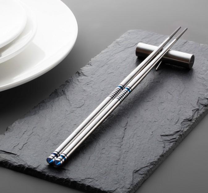 Bud Vase / Chopstick Rest